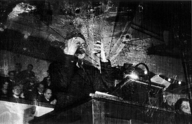 Robert_Capa_Leon_Trotsky_Copenhagen_Denmark_1932