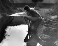 Imogen_Cunningham_Roi_on_the_Dipsea_trail2_1918