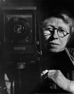 Imogen_Cunningham_self-portrait_with_korona_view_1933.jpg