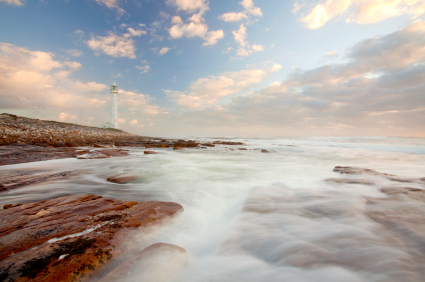 Silky_water_lighthouse_sunset