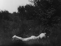 Imogen_Cunningham_self-portrait_1906.jpg