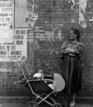 Imogen_Cunningham_Woman_and_Child_New_York_City_1956